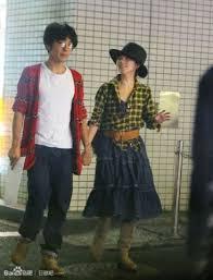 高橋さんが、田中さんのマンションに、 頻繁に入っていく姿も目撃されていたそうで、 一緒に住んでいるという話も出ていました。
